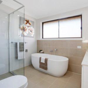 phoca_thumb_l_mitchell main bathroom